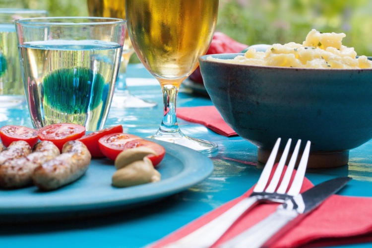 food-summer-party-dinner (1)